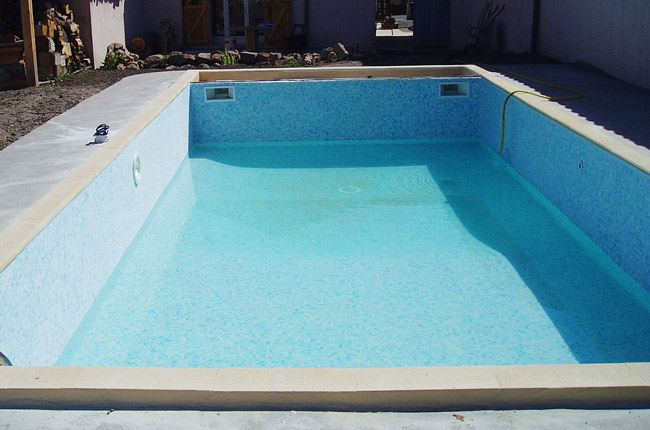 Le kit piscine SolidPOOL carrelage est fini, on rempli ...